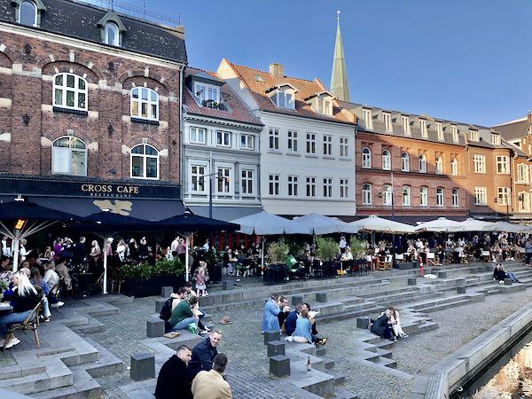Aarhus og stemningen ved Åen